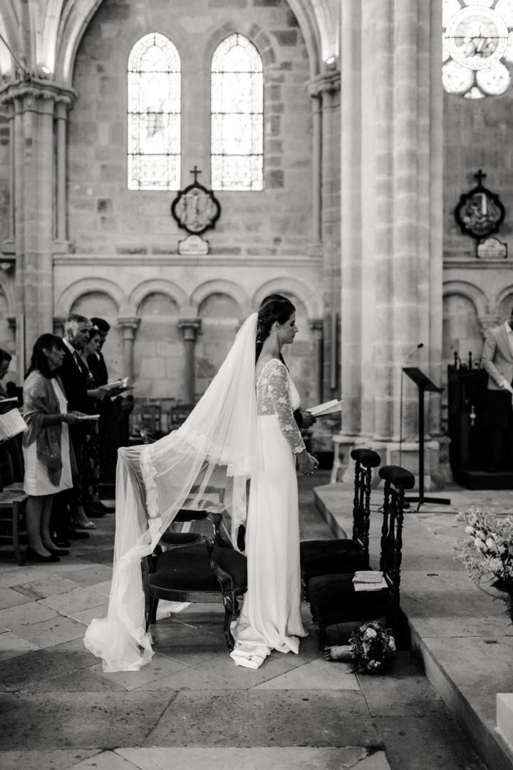 Les mariés lors de la cérémonie religieuse à l'église de Clamecy