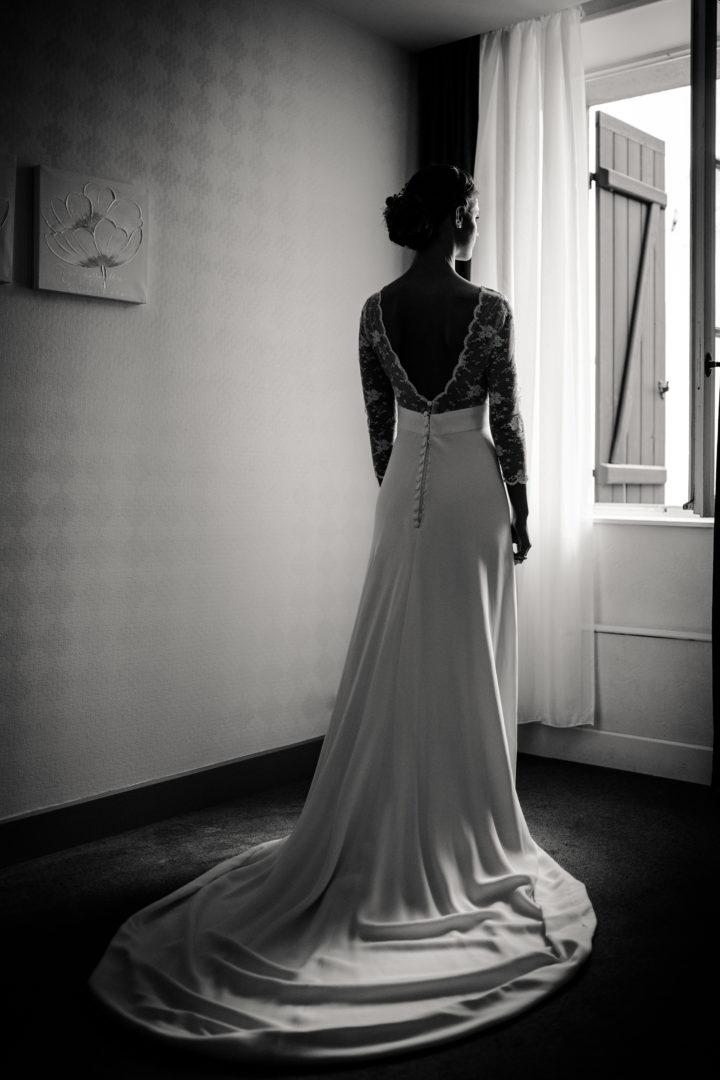 Habillage de la mariée à l'auberge des sources