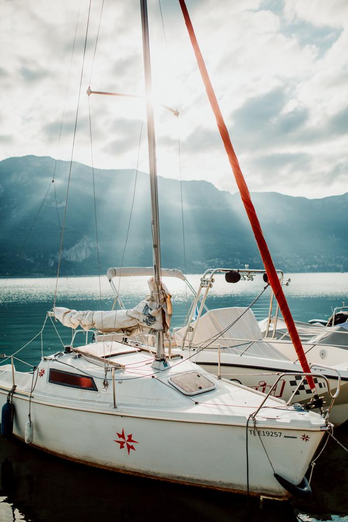 Bord du lac d'Annecy lors du mariage de Sunny & Benjamin