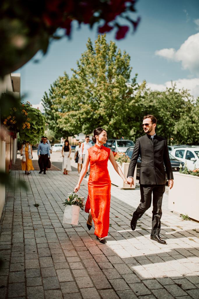 Les mariés vers la Mairie de Metz-Tessy