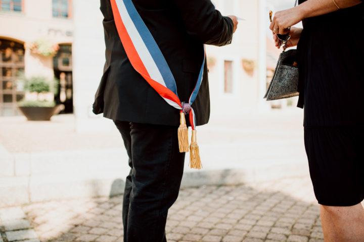 Officiant de la cérémonie civile de la mairie de Metz-Tessy