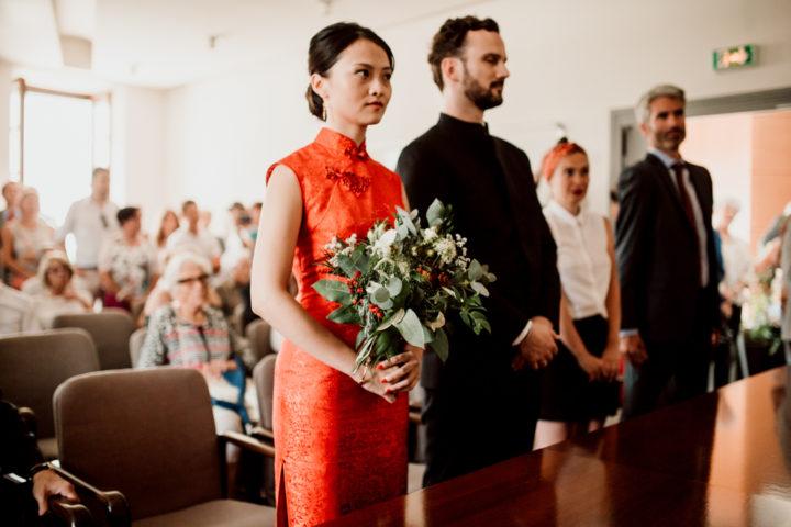 Mariés lors de la cérémonie civile de la mairie de Metz-Tessy
