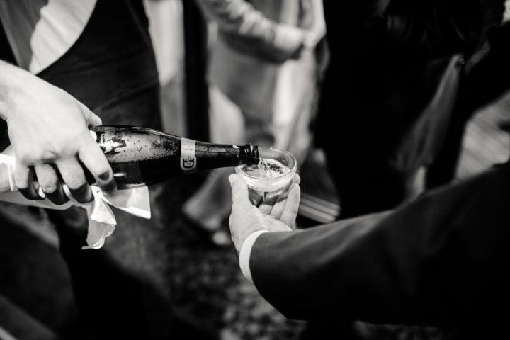 Invités lors du vin d'honneur à l'Hotel Les Tresoms