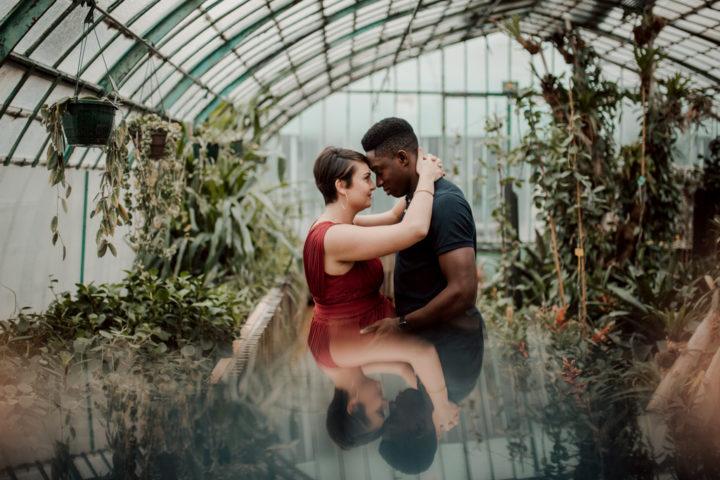 photo de couple dans les serres d'auteuil de paris