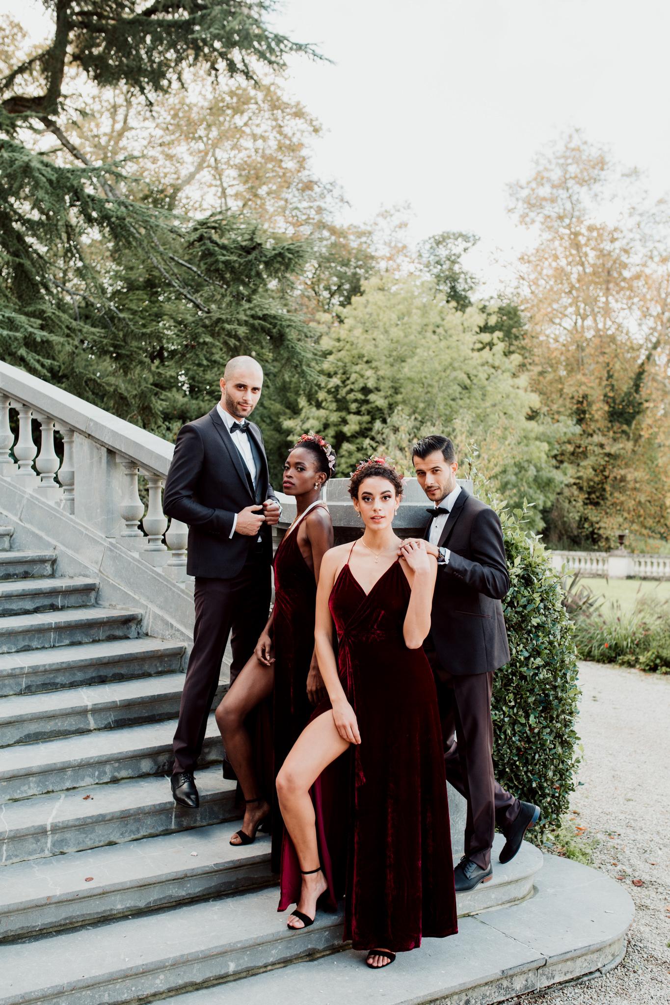 Photo d'un groupe de témoins de mariage au chateau de Bouffémont.